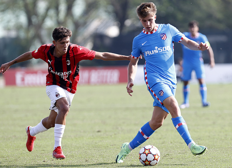 Temporada 2021/22 | Youth League | AC Milan - Atleti | Barrios