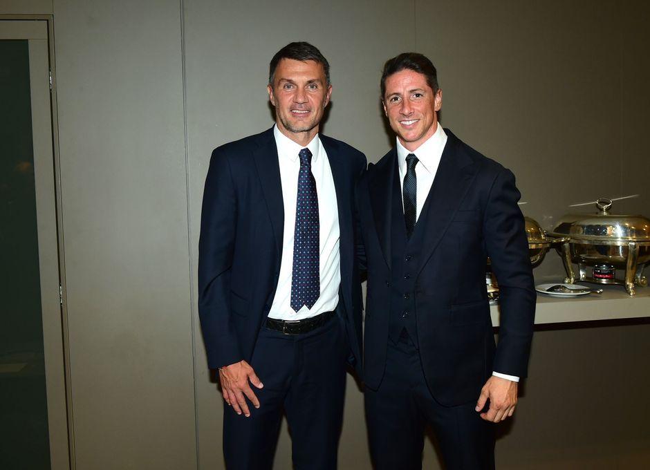 Temporada 2021/22 | Champions League | AC Milan - Atleti | Fernando Torres y Maldini