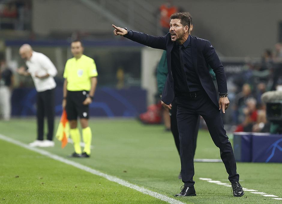 Temporada 2021/22 | Champions League | AC Milan - Atleti | Simeone