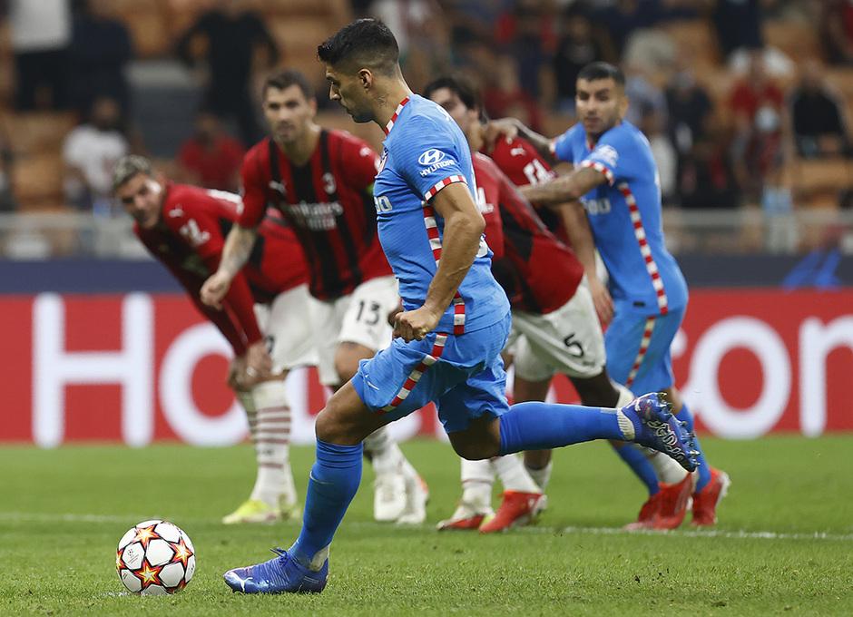 Temporada 2021/22 | Champions League | AC Milan - Atleti | Suárez