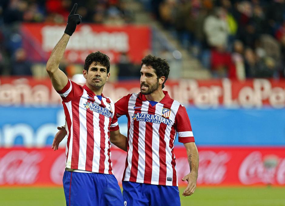 temporada 13/14. Partido Atlético de Madrid- Levante. Celebración Diego Costa y Raúl García