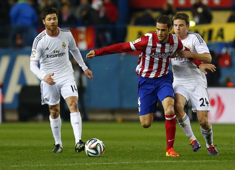 temporada 13/14. Partido Atlético_Real Madrid. Copa del Rey. Mario con el balón