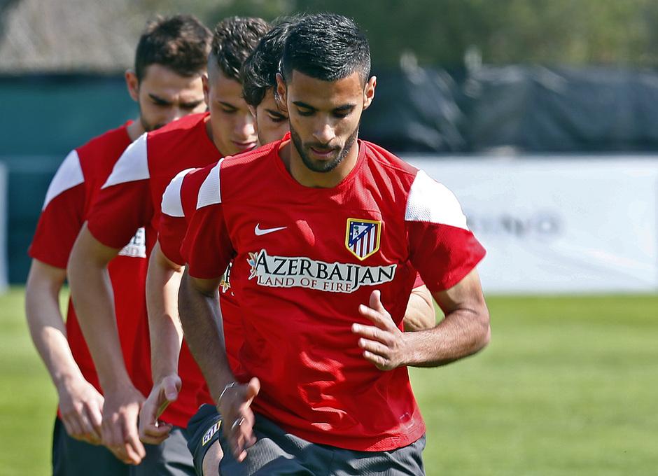 TEMPORADA 2013/14. Entrenamiento primer equipo en Majadahonda. Kader se entrena a las órdenes de Simeone.