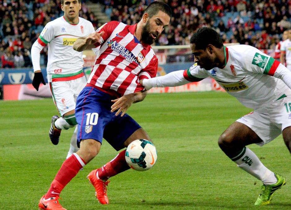temporada 13/14. Partido Atlético Granada. Arda con el balón
