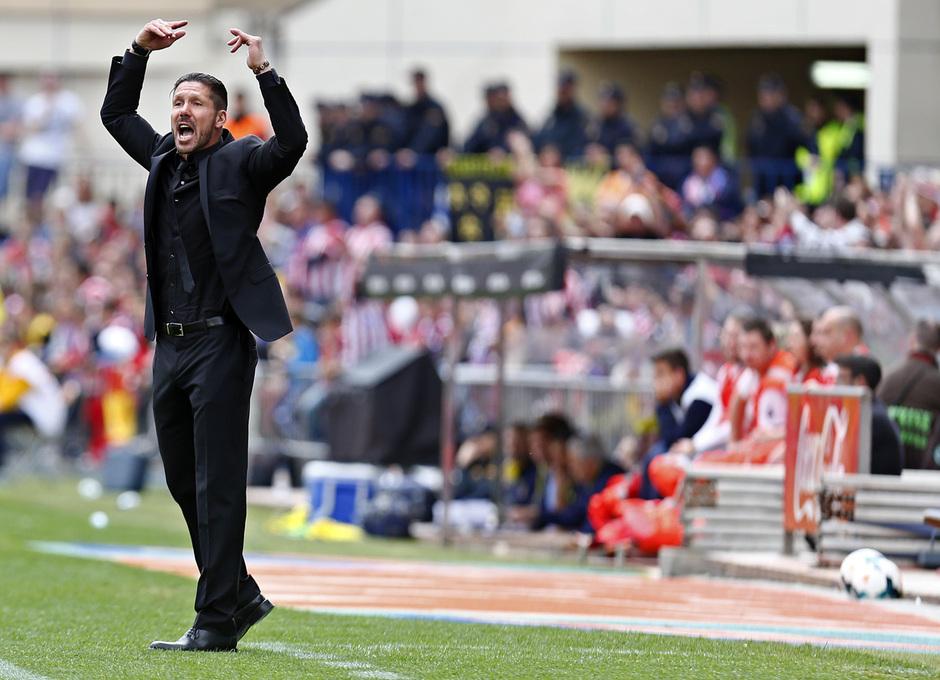 temporada 13/14 Partido. Atlético de Madrid_Villarreal. Simeone haciendo gestos a la grada
