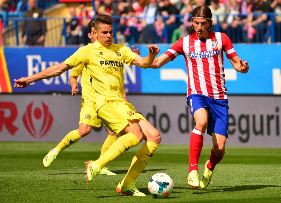 temporada 13/14 Partido. Atlético de Madrid_Villarreal. Filipe luchando un balón. Estadio10