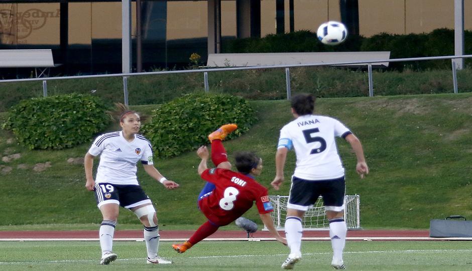 El gol de Sonia Bermúdez en la Copa de La Reina, el mejor del 2016