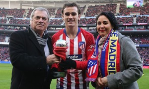 Club member number 125,000 Laura López enjoyed an unforgettable day during the Atleti-Levante game