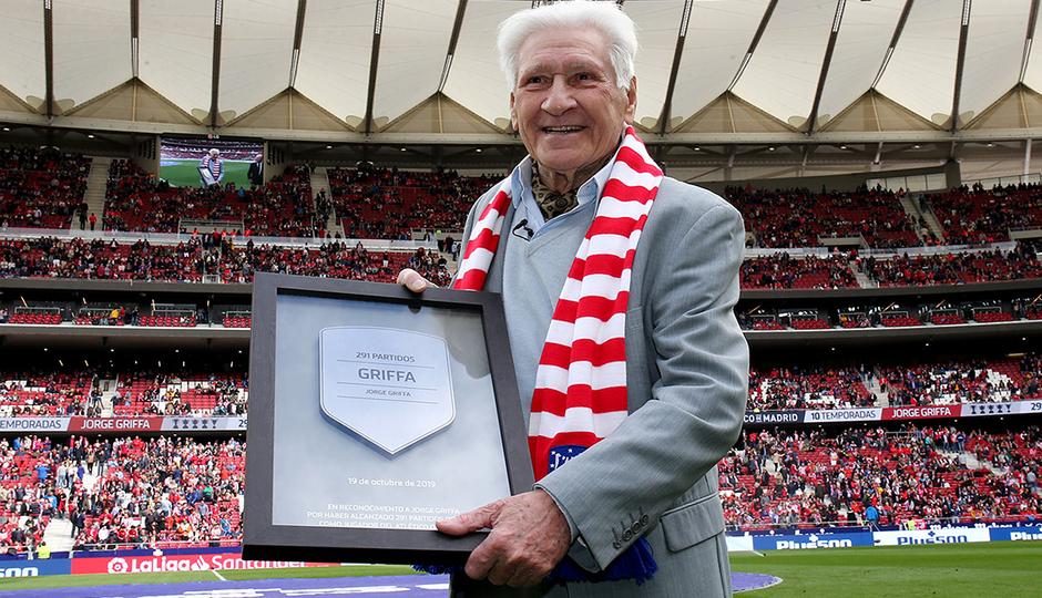 Jorge Griffa receives tribute at the Wanda Metropolitano