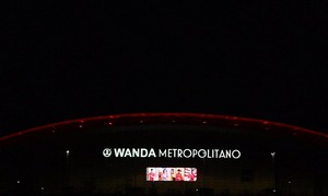 Wanda Metropolitano honours workers who are taking care of the public