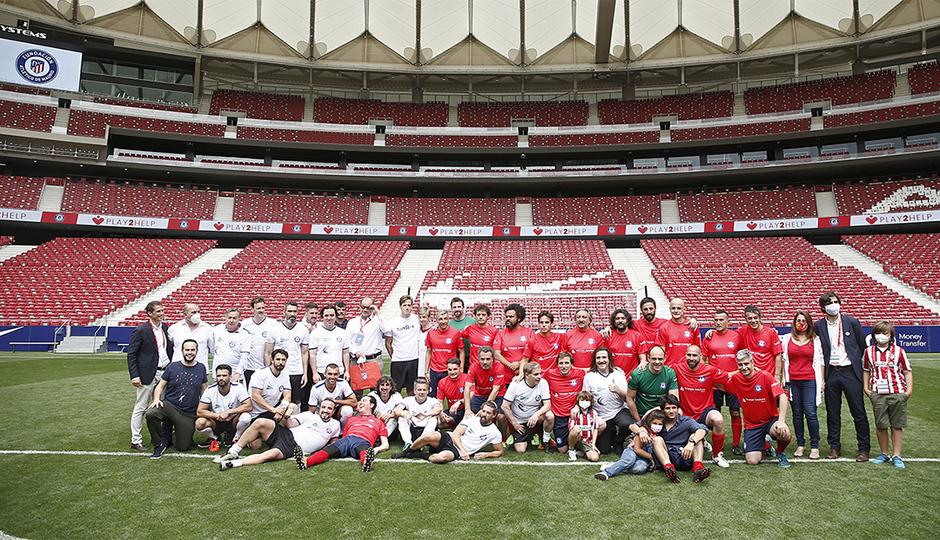 El Wanda Metropolitano acogió la disputa del partido solidario 'Play2Help'