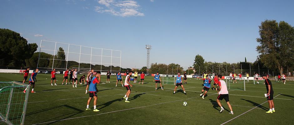 Club atl tico de madrid retomamos los entrenamientos en for Puerta 8 ciudad deportiva