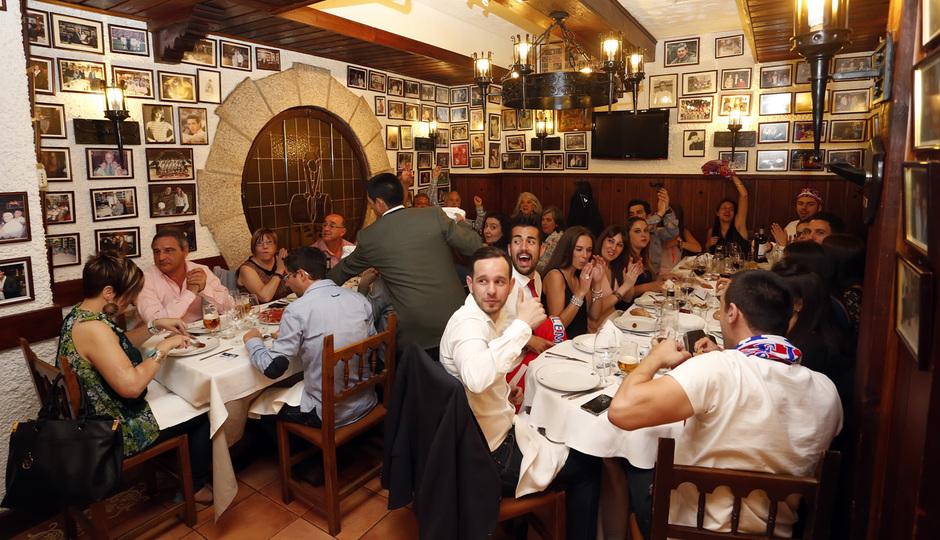Club atl tico de madrid la cena de los campeones - Restaurante gabi garcia ...
