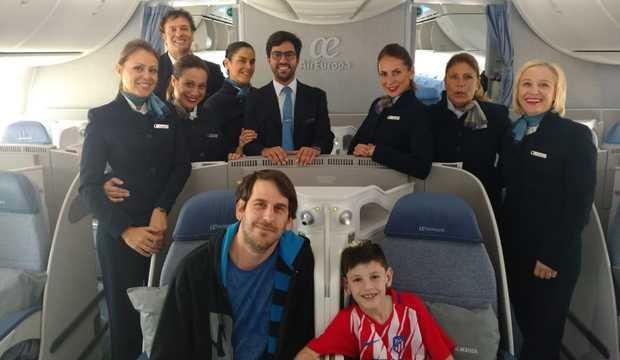 Manu ya viaja hacia Madrid.