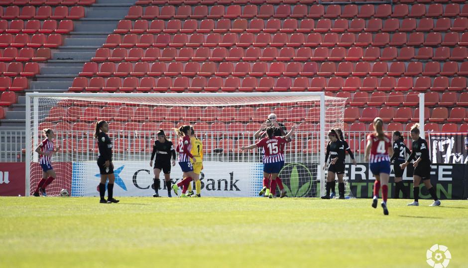 Las jugadoras del Atlético, en el duelo ante el Málaga (Foto: LaLiga).