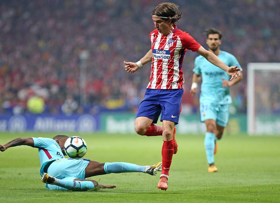 Resultat d'imatges de atletico de madrid - FC Barcelona accion