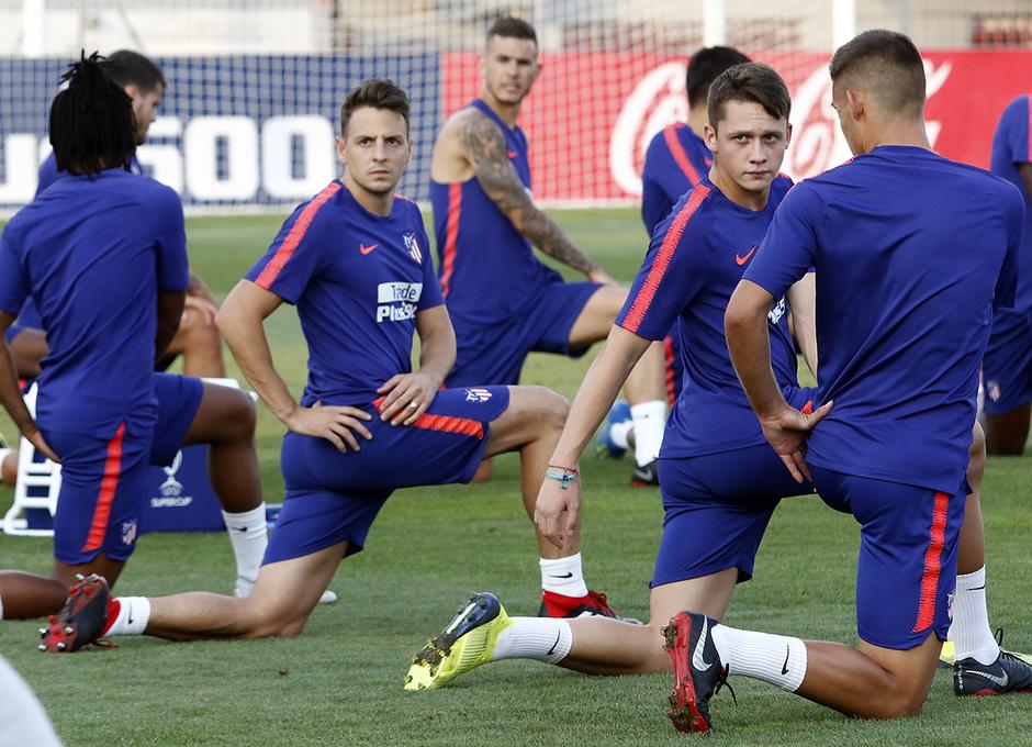 Temporada 18 19. Entrenamiento en la ciudad deportiva Wanda Atlético de  Madrid. 23 57bba03cd0de3