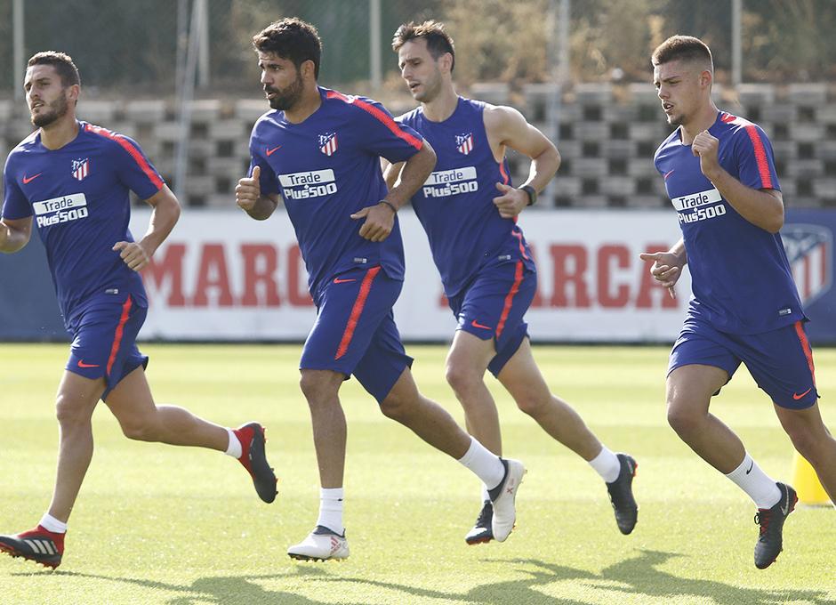 El equipo se ejercitó en el campo 4 de la Ciudad Deportiva Wanda Atlético  de Madrid   FOTO  Alberto Molina fd01867f5abb3